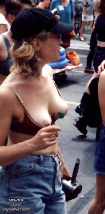 Pic #5 - Gay Pride 1998 in Toronto