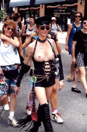 Pic #8 - Gay Pride 1998 in Toronto