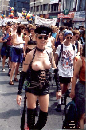 Pic #9 - Gay Pride 1998 in Toronto