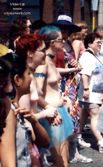 Pic #12 - Gay Pride 1998 in Toronto