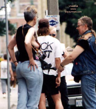 Pic #14 - Gay Pride 1998 in Toronto