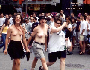 Pic #16 - Gay Pride 1998 in Toronto