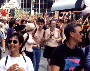 Pic #17 - Gay Pride 1998 in Toronto