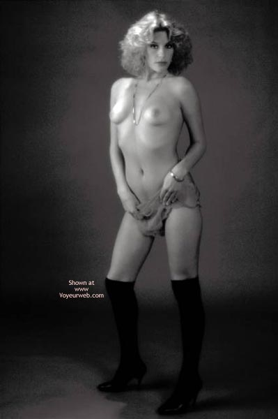 Pic #4 - Tammy Nude In B & W