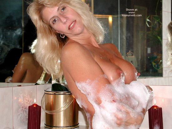 Pic #7 - Splish Splash 2 With Horny Lisa