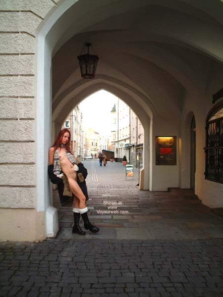 Pic #1 - Niky In The City