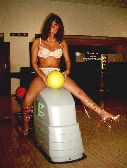 Pic #2 - De Princess Bowling4a