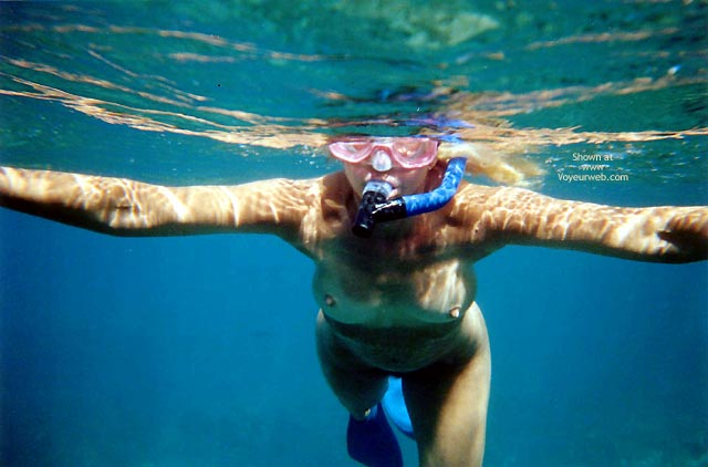 Pic #1 - Pearl Snorkelling Nude In Hawaii