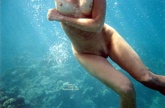 Pic #5 - Pearl Snorkelling Nude In Hawaii