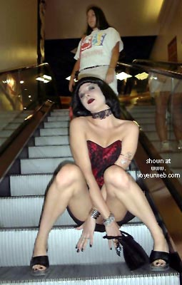 Pic #3 - Kat's Vegas Koncrete Jungle