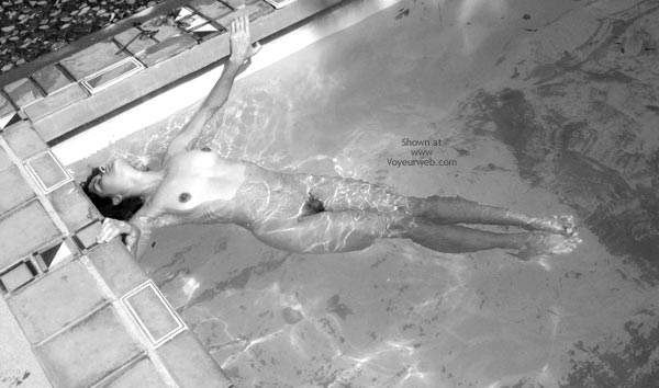 Pic #1 - Black And White - Black And White , Black And White, Naked Girl In A Pool, Stretching In A Pool, Nude Swimming, Black And White Swimming, Swimmingpool Sleep