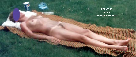 Pic #4 - Front Yard Nude