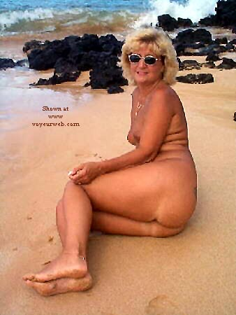 Pic #6 - Ellen At The Beach - Pt 2