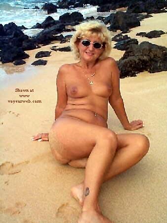 Pic #7 - Ellen At The Beach - Pt 2