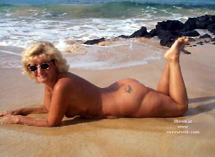 Pic #8 - Ellen At The Beach - Pt 2