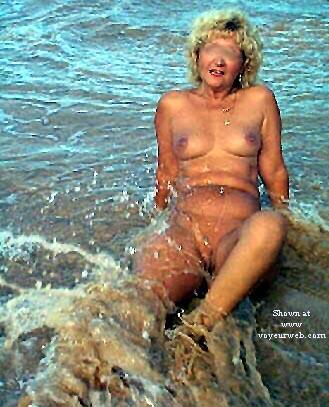 Pic #10 - Ellen At The Beach - Pt 2