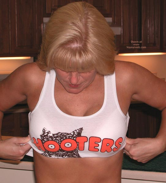 Pic #3 - Claires Hooters 2