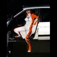 Tigress Goes Clubbing