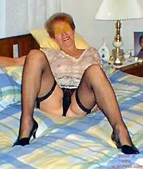 Pic #2 - Leggy      Wife #2
