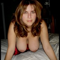 Hanging Tits - Brunette Hair, Hanging Tits, Milf, Natural Tits, Topless, Looking At The Camera