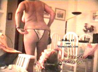 Pic #7 - Portuguese wife strip-tease