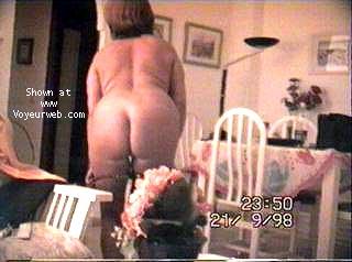 Pic #8 - Portuguese wife strip-tease