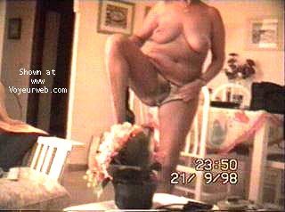 Pic #10 - Portuguese wife strip-tease