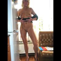 *LE Blonde Lady
