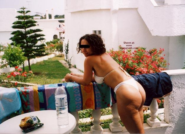 Pic #3 - Girlfriend'S Bubble Butt 3