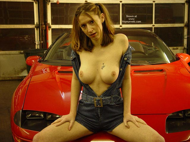 Pic #7 - Busty Jade In An Auto Shop