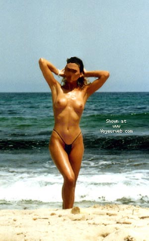 Pic #4 - mi mujer en la playa 5