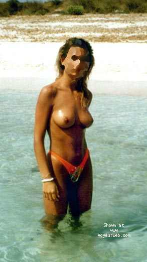 Pic #5 - mi mujer en la playa 5