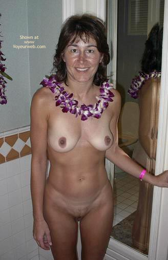 Pic #5 - More Nudity In Paradise
