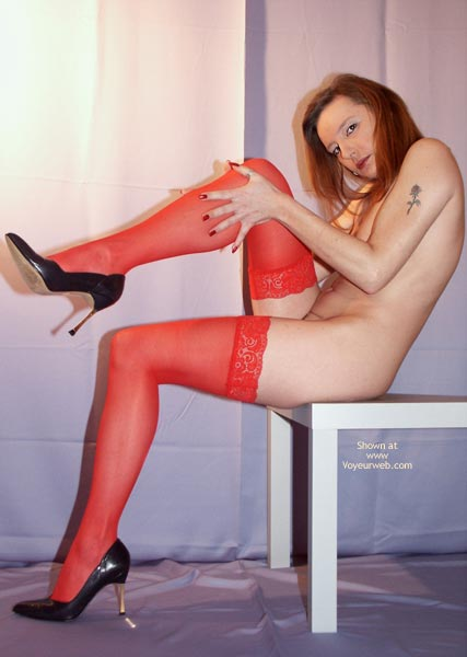 Pic #3 - Susy Rocks In Red Stockings