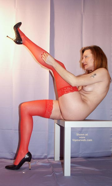 Pic #4 - Susy Rocks In Red Stockings