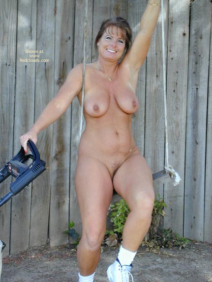 Pic #1 - Tm Doing Yard Work Nude