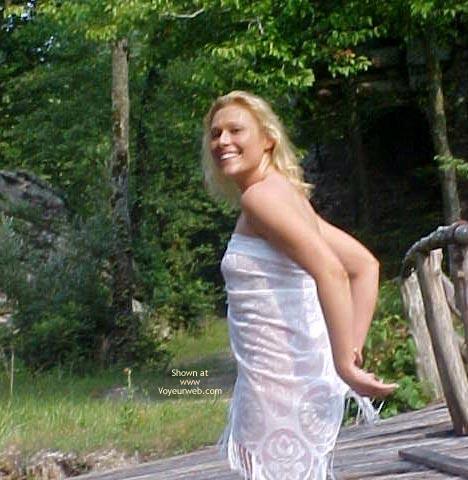 Pic #1Starr (Babe On A Bridge)