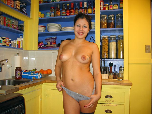 Pic #2 - 23yo Dawn in the Kitchen