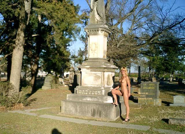 Pic #5 - Leigh Invades Paris (Texas)