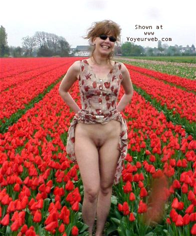 Pic #1 - Wijfie having fun with tulips
