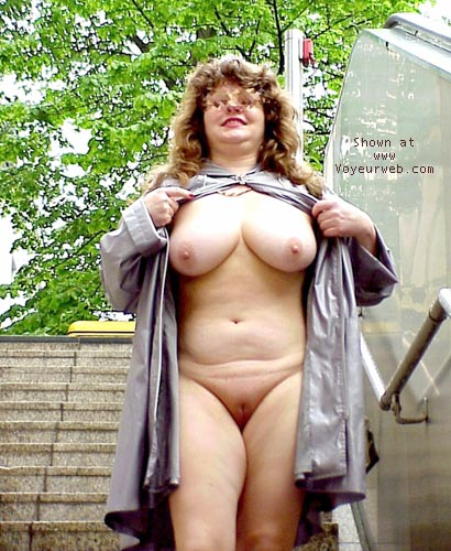Pic #8 - Jenny nude in the city