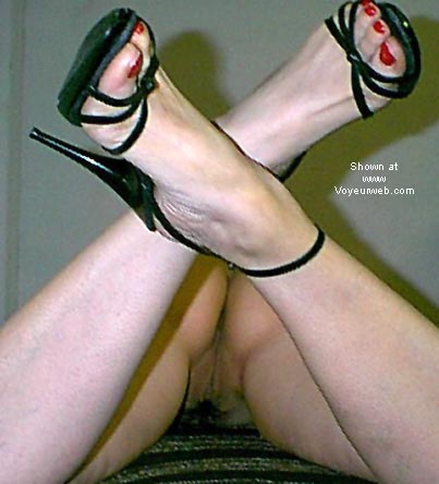 Pic #7 - *HS cyberslut in heels and sunglasses