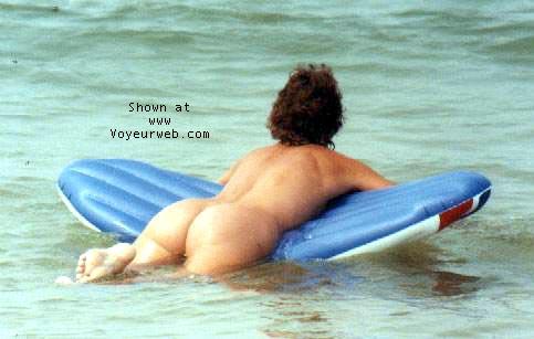 Pic #4 - Best beach bum?