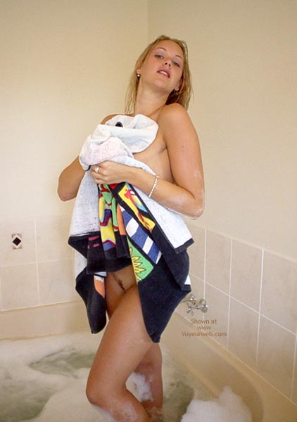 Pic #2 - Aussie Jewel: Drying My Body