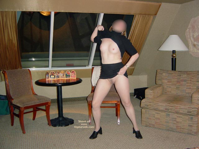 Pic #1 - Wife Displayed In Casino