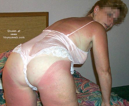 Pic #2 - Sue@40+trying to get suntan