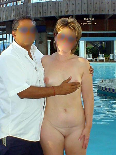 Pic #2 - Midwest Cindy Visits Hedo 1 (Blur)