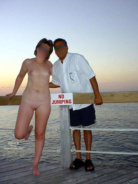 Pic #5 - Midwest Cindy Visits Hedo 1 (Blur)