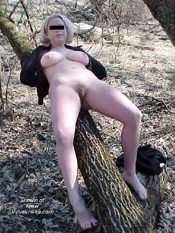 Pic #4 - EX-Girlfriend Outdoor Pics