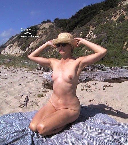 Pic #4 - Bobbi at the Beach